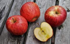 Gala apples (Swiss, Vaud)