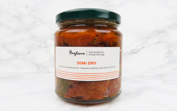 Organic half-dried tomatoes
