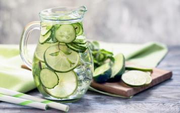 Detox water: cucumber &...