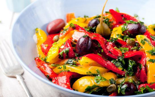 Poivrons grillés au basilic et olives